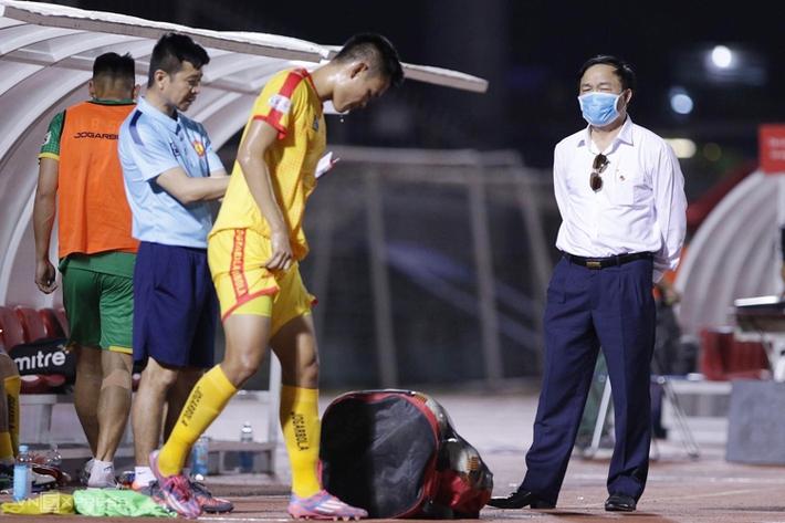 CĐV Thanh Hoá: Đội bóng là của tỉnh, của nhân dân, không phải của bầu Đệ - Ảnh 1.