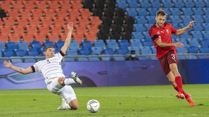 Cristiano Ronaldo và đội hình xuất sắc nhất UEFA Nations League tuần này - Ảnh 4.