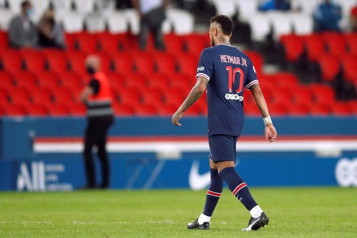 Bị phát hiện đòn đánh lén hiểm hóc, Neymar cúi mặt rời sân sau cuộc hỗn chiến 5 thẻ đỏ - Ảnh 5.