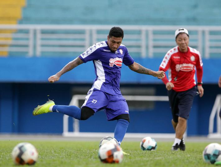 HLV Lê Thụy Hải nhận định bất ngờ về Công Phượng, cảnh báo mạnh mẽ Hà Nội FC - Ảnh 3.