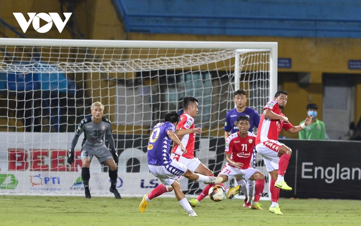 Ảnh: Hà Nội FC khiến hai ngoại binh tiền tỉ của TPHCM khóc thét - Ảnh 11.
