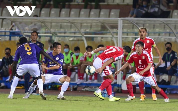 Ảnh: Hà Nội FC khiến hai ngoại binh tiền tỉ của TPHCM khóc thét - Ảnh 12.
