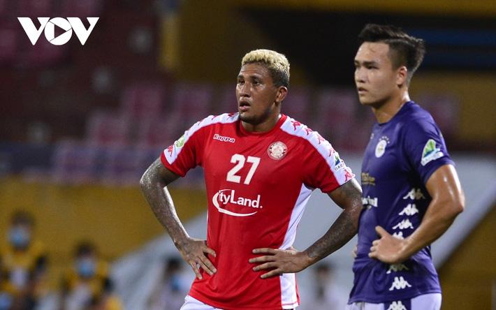 Ảnh: Hà Nội FC khiến hai ngoại binh tiền tỉ của TPHCM khóc thét - Ảnh 18.