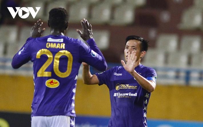 Ảnh: Hà Nội FC khiến hai ngoại binh tiền tỉ của TPHCM khóc thét - Ảnh 20.