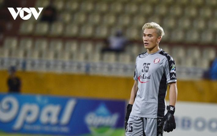 Ảnh: Hà Nội FC khiến hai ngoại binh tiền tỉ của TPHCM khóc thét - Ảnh 21.
