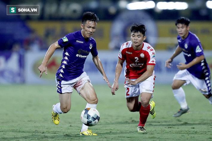 Hi hữu: Lão tướng của Hà Nội FC phải rời sân vì lý do dở khóc dở cười - Ảnh 2.