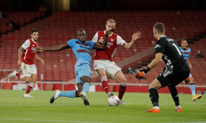 Gà son tỏa sáng, Arsenal nhọc nhằn giành 3 điểm trước West Ham - Ảnh 1.