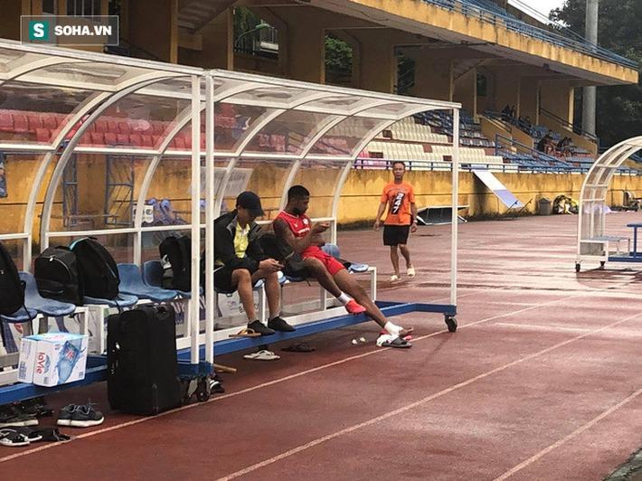 Cơn khủng hoảng khiến Hà Nội, Viettel đau đầu lại là cơ hội lớn cho HLV Park Hang-seo? - Ảnh 1.