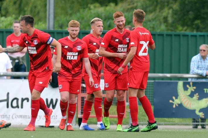 17 cầu thủ mắc Covid-19, đội bóng hạng dưới Anh vẫn mong đá trận gặp Tottenham - Ảnh 1.