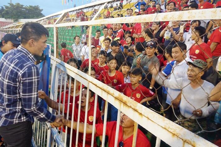 [Hồi ức] Màn đối thoại gây xôn xao bóng đá Việt & cái kết dở dang của Công Vinh tại TP.HCM - Ảnh 2.