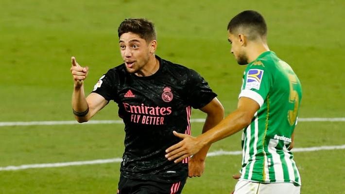 Ramos ghi bàn, Real Madrid thắng kịch tính Betis - Ảnh 1.