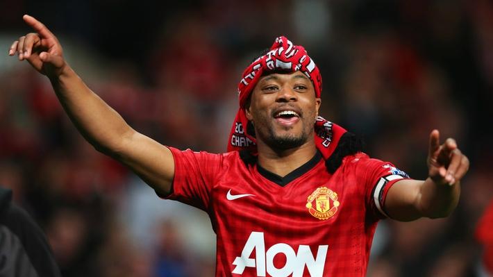 Giật gót xâu kim đối thủ, huyền thoại 39 tuổi khiến fan Man United xao xuyến - Ảnh 2.