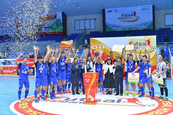 Đội bóng Việt Nam bất ngờ lọt top 10 CLB thế giới, cạnh tranh giải thưởng với Barcelona - Ảnh 1.