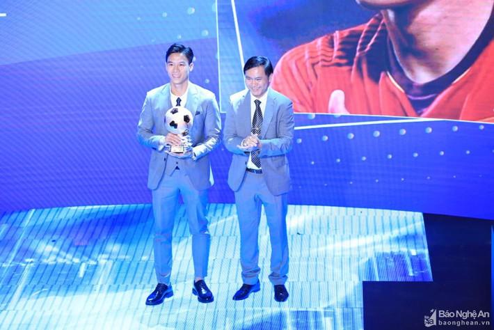 Nhiều kỷ lục của Sông Lam Nghệ An đã bị CLB Hà Nội xô đổ - Ảnh 1.