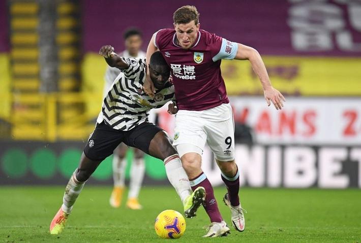 Chấm điểm cầu thủ MU vs Burnley: Pogba, Bailly rực sáng ngày Quỷ đỏ lên đầu bảng - Ảnh 3.