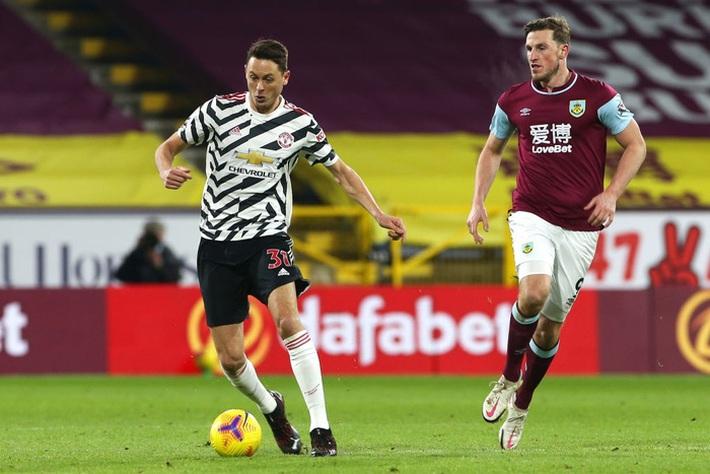 Chấm điểm cầu thủ MU vs Burnley: Pogba, Bailly rực sáng ngày Quỷ đỏ lên đầu bảng - Ảnh 6.