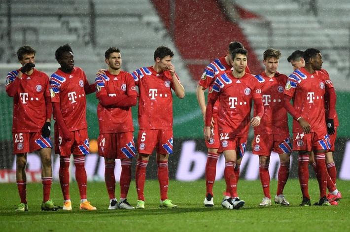 Thomas Muller trút giận lên nữ phóng viên sau thất bại muối mặt của Bayern Munich - Ảnh 3.