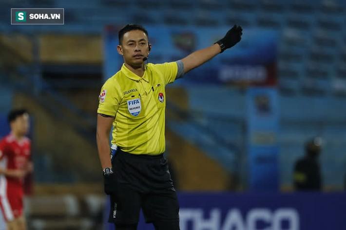 V.League chỉ có 1 trọng tài FIFA Elite, không thể phân công vào tất cả các trận của Nam Định - Ảnh 2.