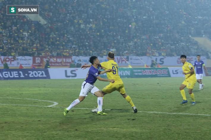 Chuyên gia Vũ Mạnh Hải: Đừng trách mặt sân, Hà Nội FC thua vì coi nhẹ Nam Định - Ảnh 1.