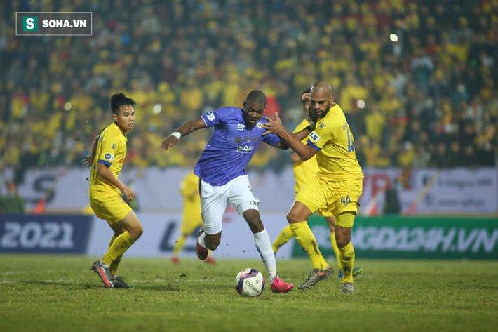 Chuyên gia Vũ Mạnh Hải: Đừng trách mặt sân, Hà Nội FC thua vì coi nhẹ Nam Định - Ảnh 4.