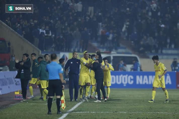 Chuyên gia Vũ Mạnh Hải: Đừng trách mặt sân, Hà Nội FC thua vì coi nhẹ Nam Định - Ảnh 5.