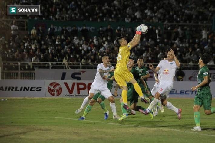 Sau cơn sốt khiến cả FIFA và AFC ngưỡng mộ, bóng đá Việt có thêm hình ảnh đầy ấn tượng - Ảnh 3.