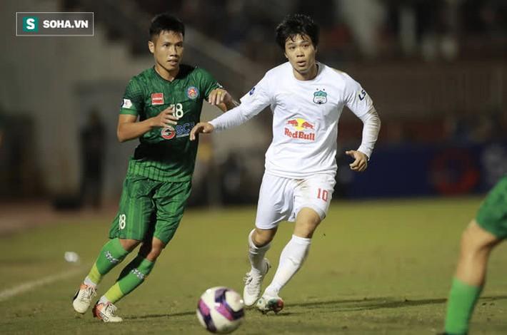 Đang ngập tràn lo lắng, HLV Park Hang-seo nhận được niềm an ủi lớn từ V.League - Ảnh 4.