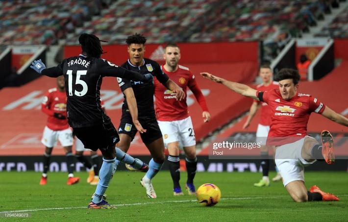 Giành 3 điểm đầy kịch tính, Man United bắt kịp Liverpool, mở toang cánh cửa vô địch - Ảnh 2.