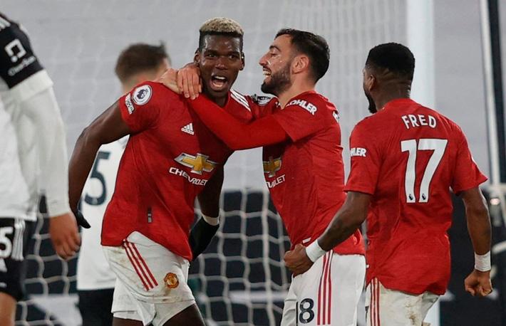 Ngược dòng bằng siêu phẩm, Man United đòi lại ngôi đầu Premier League từ tay kẻ thách thức - Ảnh 4.