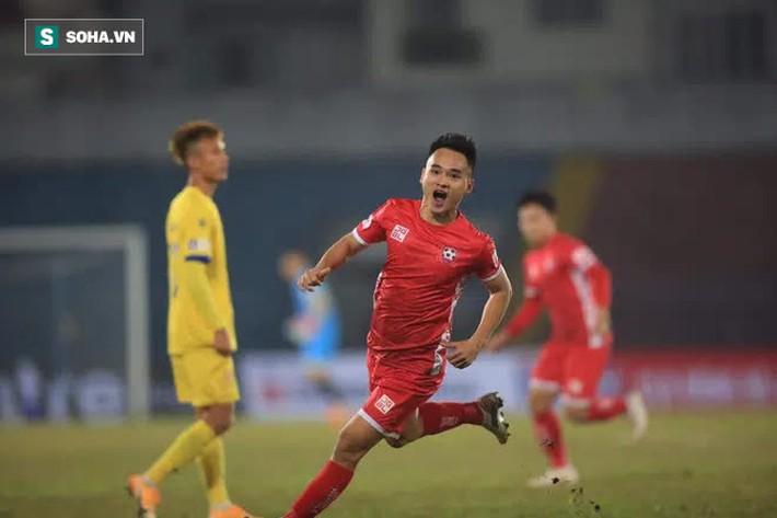 Sau chiến tích khó tin, Nam Định lại tạo ra kịch bản nghẹt thở ở V.League - Ảnh 2.