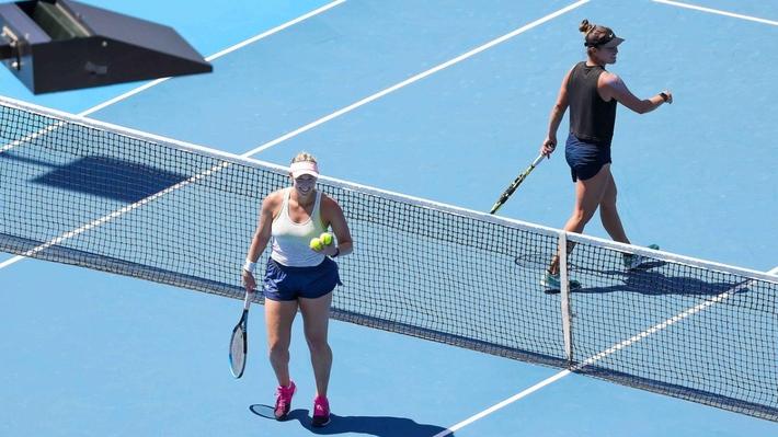 10 ca nhiễm Covid-19 liên quan đến giải quần vợt Australian Open 2021  - Ảnh 1.