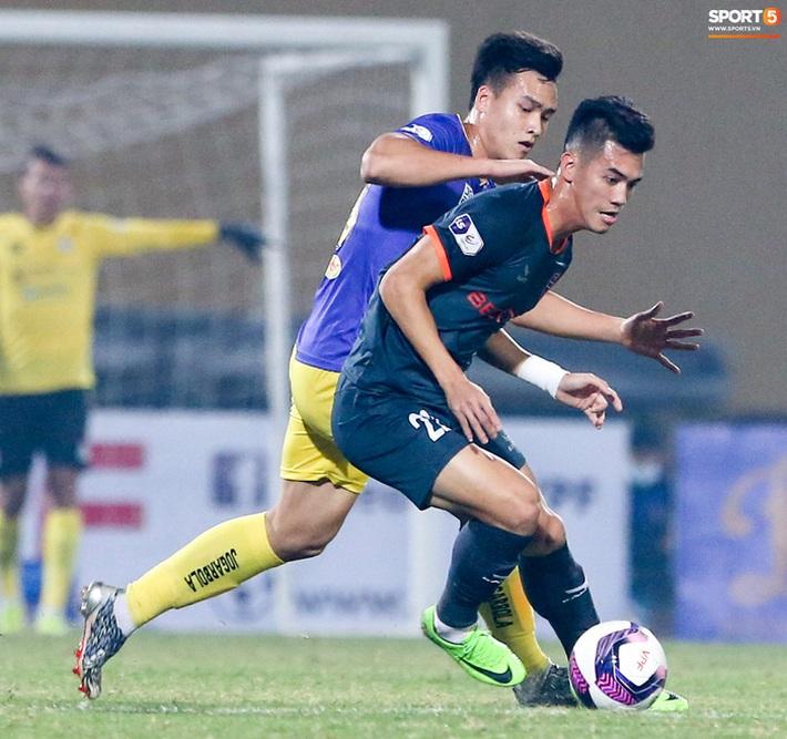 Pha bóng Tiến Linh giật gót tinh tế rồi ghi bàn hạ Hà Nội FC xứng đáng ghi vào sách giáo khoa - Ảnh 5.