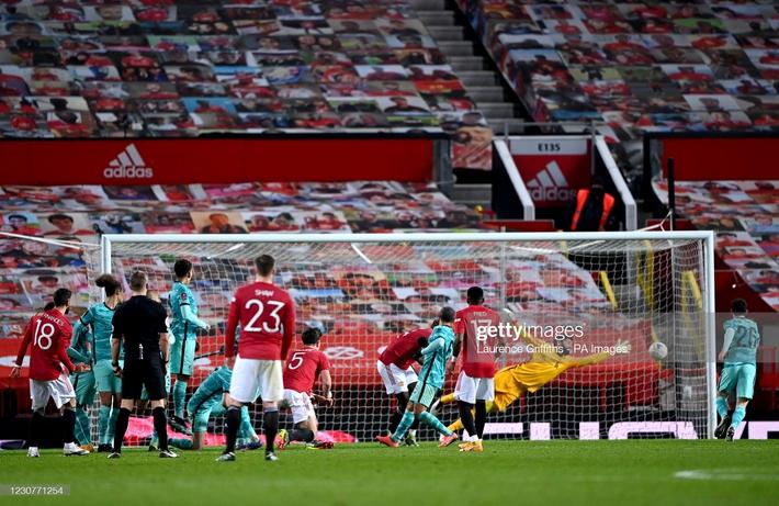 Solskjaer dụng binh như thần, Bruno Fernandes dùng tuyệt chiêu nhấn chìm Liverpool - Ảnh 5.