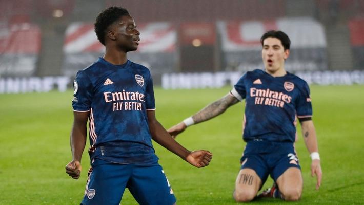 Ngược dòng hạ Southampton, Arsenal vượt qua Chelsea trên BXH Ngoại hạng Anh - Ảnh 1.