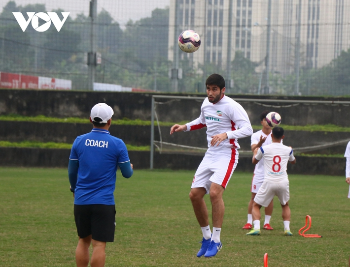 Viettel chiêu mộ cựu tuyển thủ Uzbekistan đá AFC Champions League - Ảnh 1.