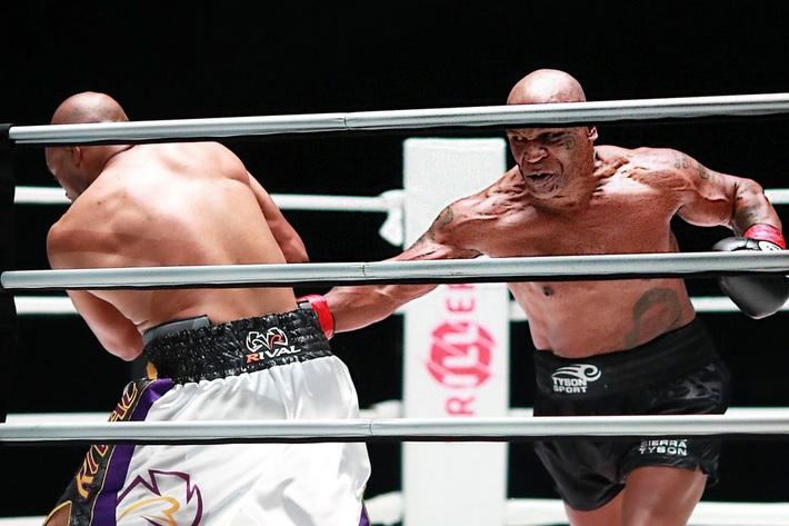 Mike Tyson khẳng định sẽ tiếp tục thượng đài, cho biết sẽ làm tốt hơn ở trận đấu tới - Ảnh 1.