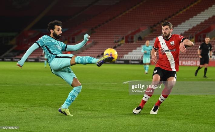 Thua sốc Southampton, Liverpool trao cơ hội đoạt ngôi đầu Premier League vào tay Man United - Ảnh 3.