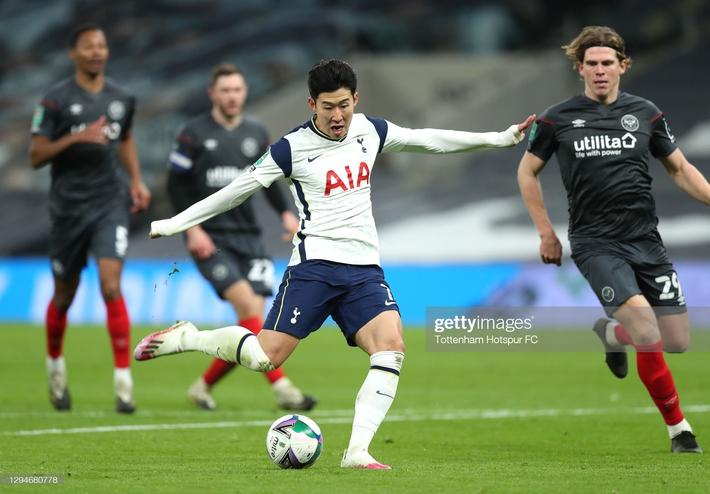 Son Heung-min ghi bàn sau pha tốc biến, Mourinho ngạo nghễ thách thức thành Manchester - Ảnh 2.