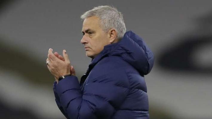 HLV Mourinho đi vào lịch sử khi giúp Tottenham vào chung kết League Cup - Ảnh 1.
