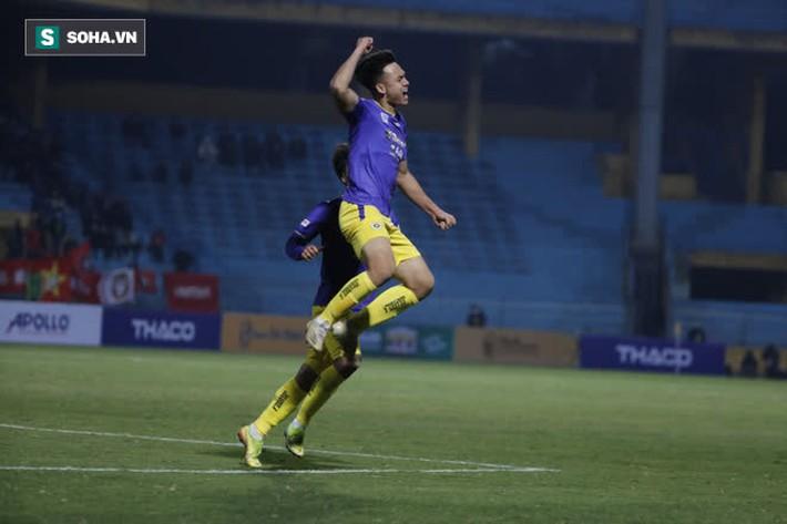 HLV Viettel khẳng định bóng chạm tay hậu vệ Hà Nội FC, nhưng nói lời bất ngờ về trọng tài - Ảnh 1.