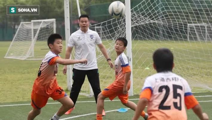 Bóng đá Trung Quốc như bệnh nhân ung thư, 10 năm tới mịt mù bởi con số kém xa Việt Nam - Ảnh 3.