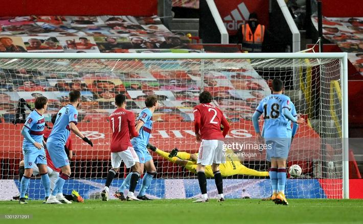 Họng súng ẩn lên tiếng, Man United lọt vào tứ kết sau trận đấu lạ lùng - Ảnh 1.