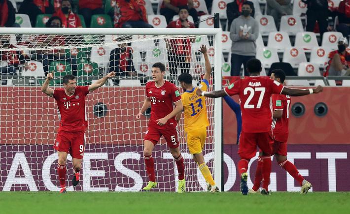 Bayern tái hiện cú ăn 6 vĩ đại của Barca, Chelsea gặp may lớn sau chiến thắng nhọc nhằn - Ảnh 2.