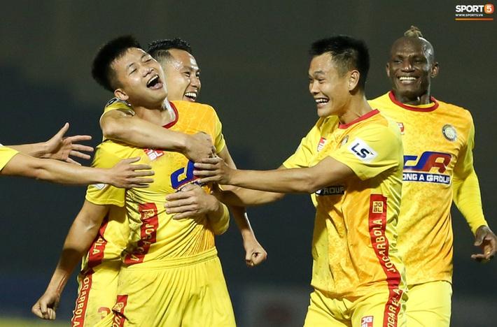 Những sự kiện nhất định phải ghi nhớ trong năm Tân Sửu 2021 của bóng đá Việt Nam - Ảnh 2.