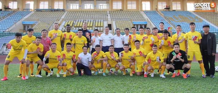 Các đội bóng V.League bắt đầu hội quân, tập khai xuân sau kỳ nghỉ Tết - Ảnh 3.