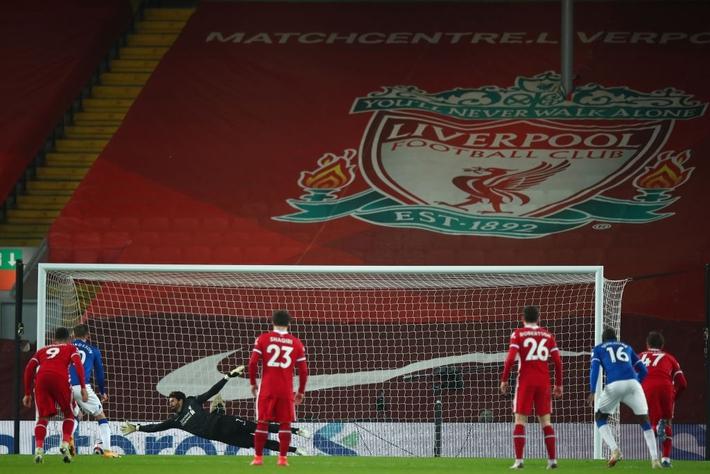 Thua trắng đại kình địch, Liverpool tái lập thảm họa trên sân nhà sau 98 năm - Ảnh 12.