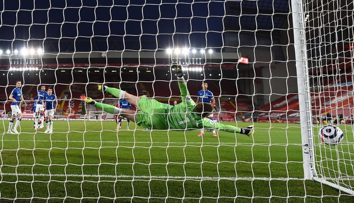 Thua trắng đại kình địch, Liverpool tái lập thảm họa trên sân nhà sau 98 năm - Ảnh 4.