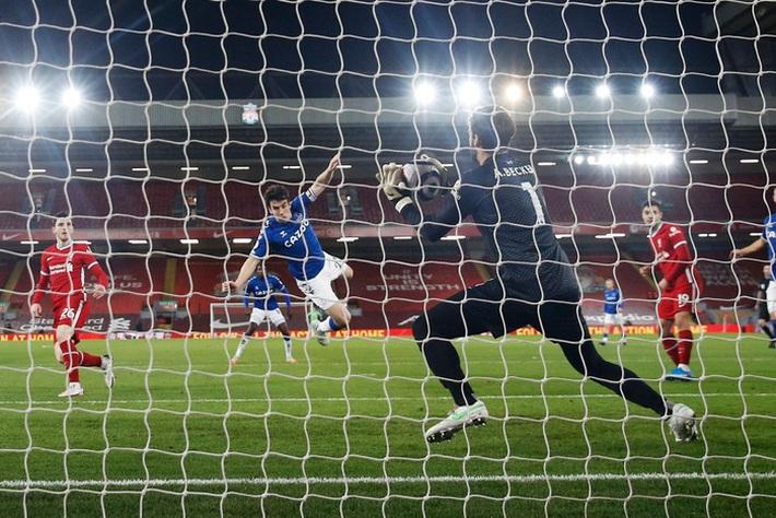 Thua trắng đại kình địch, Liverpool tái lập thảm họa trên sân nhà sau 98 năm - Ảnh 6.