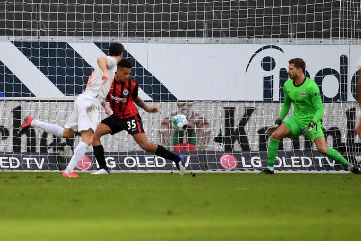 Bayern Munich tiếp tục gây thất vọng sau kỳ tích cú ăn 6 - Ảnh 8.