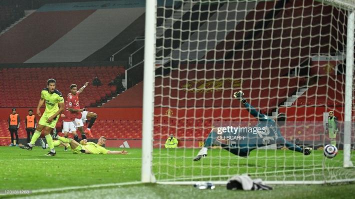 Tiến sĩ 23 tuổi đưa Man United đến chiến thắng; Pep Guardiola cho Arsenal nếm mùi tuyệt vọng - Ảnh 1.